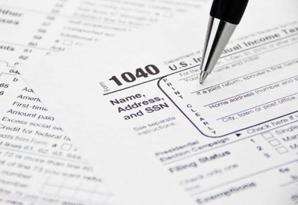 Daily Brief: AARP provides free income tax filing service