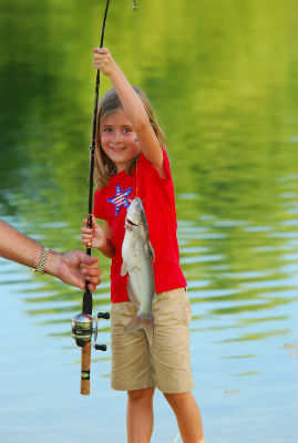 Many young anglers catch their first fish at the Texas Freshwater Fisheries Center in Athens, making it the best place to play catch in Texas. (Larry D. Hodge, Texas Freshwater Fisheries Center)