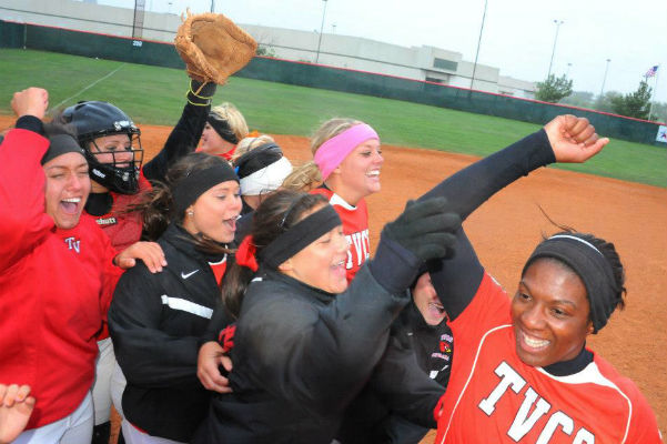 Lady Cards get historic win