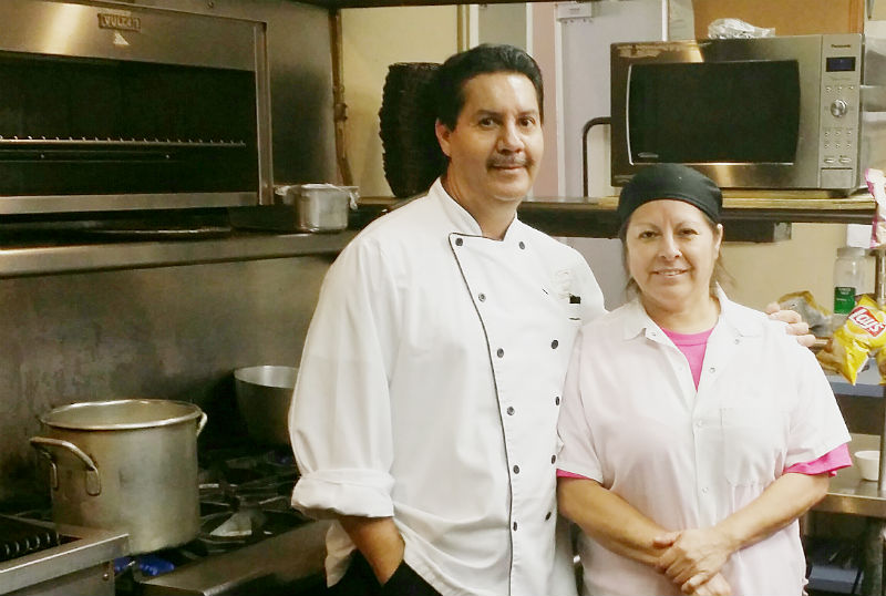 athens country club chef saul ramirez left with kitchen manager lupe dela cruz